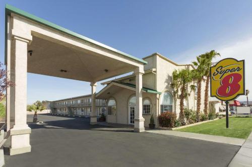 Super 8 by Wyndham Ridgecrest - Ridgecrest, CA CA 93555
