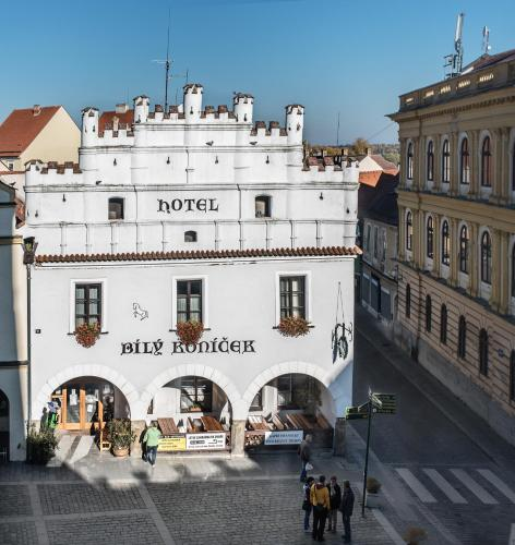 . Hotel Bílý Koníček