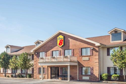 . Super 8 by Wyndham Madison/Hanover Area