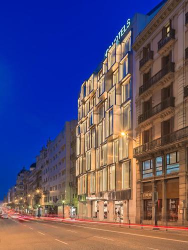 Via Laietana, 69, 08003 Barcelona, Spain.