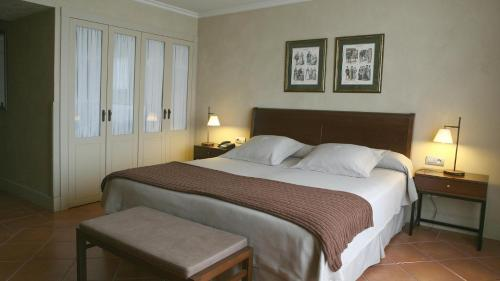 Double or Twin Room with Parking Bremon 18