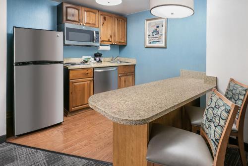 Homewood Suites Phoenix-Metro Center - Phoenix, AZ AZ 85021