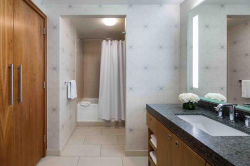ADA Room with Two Double Beds and Tub