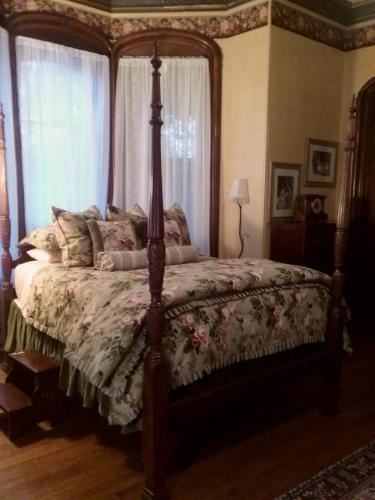 Overlook Mansion Bed And Breakfast - Reading, PA 19601