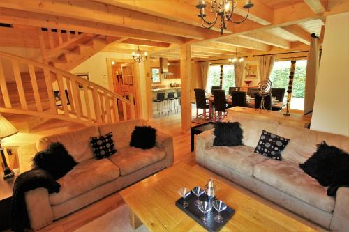 Ski-To-Door Chalet Evelyn with Private Sauna Morzine
