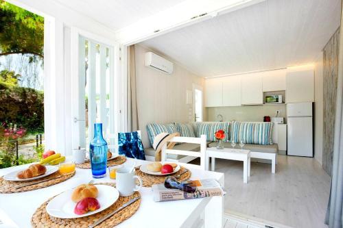. Tamarit Beach Resort