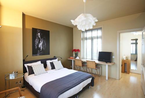 Canal Studio Apartment impression