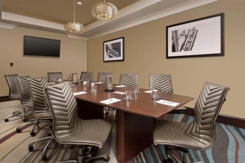 Embassy Suites Atlanta - Airport - College Park, GA GA 30337