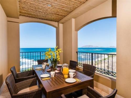 Crystal Sands Resort