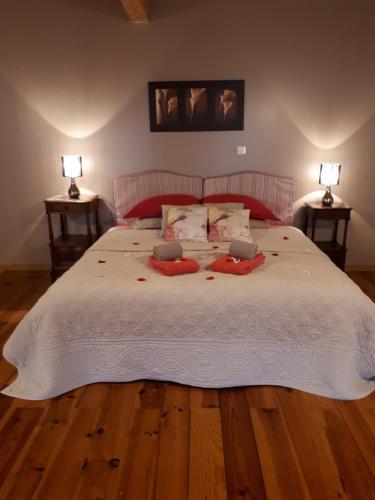 Chambres et Roulotte de La Gentilhommière - Accommodation - Chazey-sur-Ain