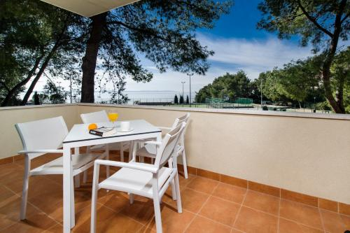 Apartamento com 2 Quartos e Jardim Privativo (Two-Bedroom Apartment with Private Garden)