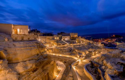 Nevsehir Hanedan Cappadocia Suites online rezervasyon