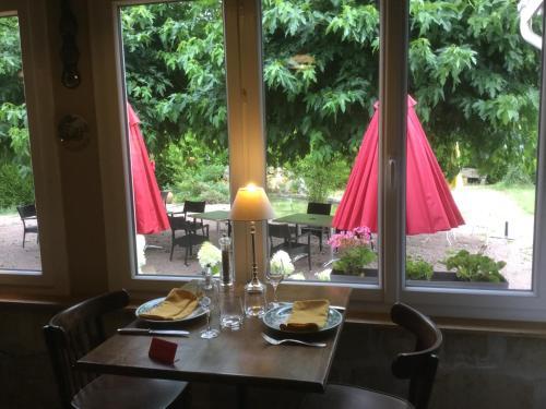 __{offers.Best_flights}__ Hostellerie du Vieux Moulin