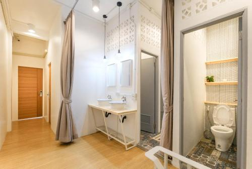 Camera Tripla con Bagno in Comune (Triple Room with Shared Bathroom)
