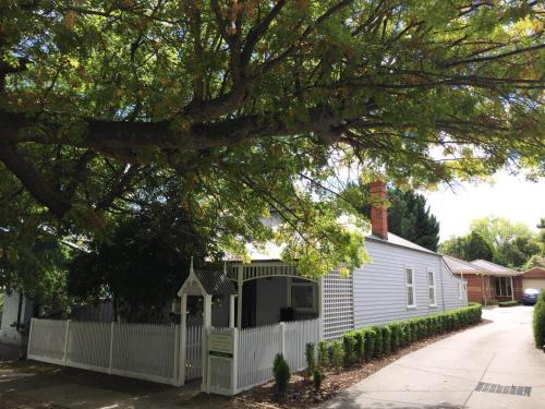 . Magnolia Cottage