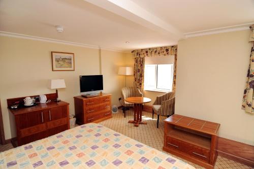 Expanse Hotel - Photo 3 of 83