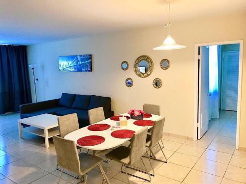 Apartments in Sunny Isles Collins Avenue rum bilder