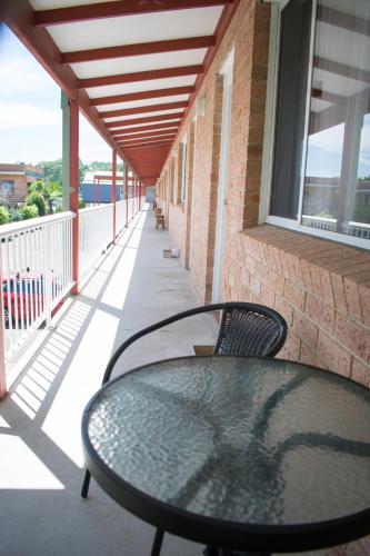 Фото отеля Bridge Motel