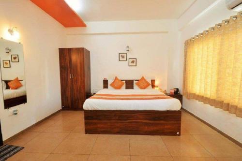 10 Blossoms Serviced Apartments Navrangpura 5