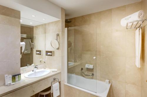 Sercotel Gran Hotel Conde Duque - image 3