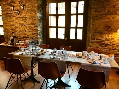 Family Room (2 Adults + 2 Children) Complejo Rural Casona de Labrada 9