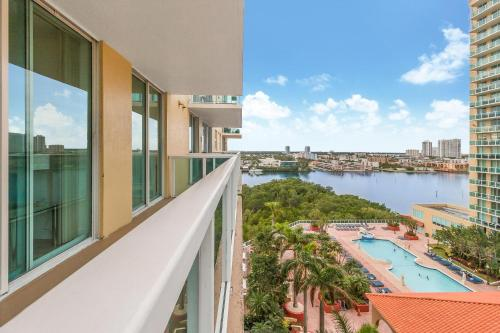 Churchill Suites Intracoastal Yacht Club
