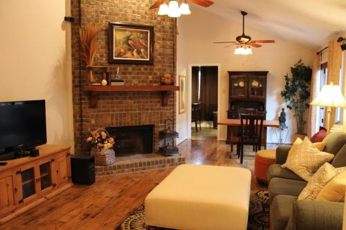 Comfy Cozy Affordable Home Away Home