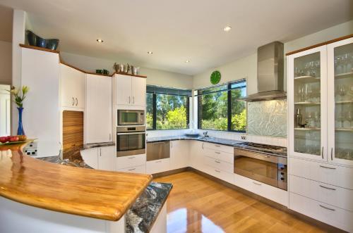 672 Ballantyne Rd, 9382, New Zealand.