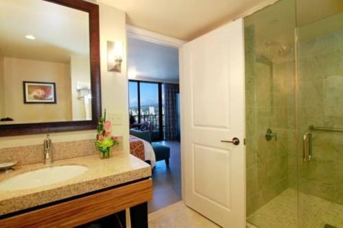 Wyndham Vacation Resorts Royal Garden At Waikiki - Honolulu, HI 96815