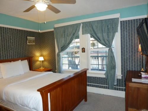 Americas Best Value Inn Royal Carriage - Hotel - Jamestown