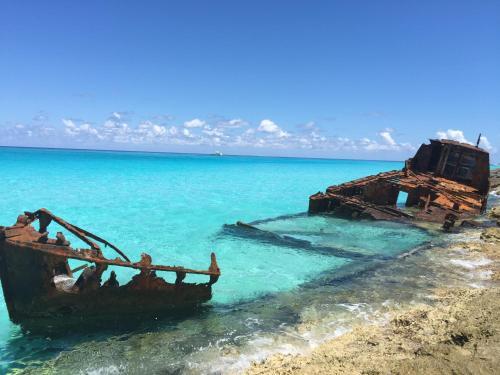 . Bimini Seaside Villa