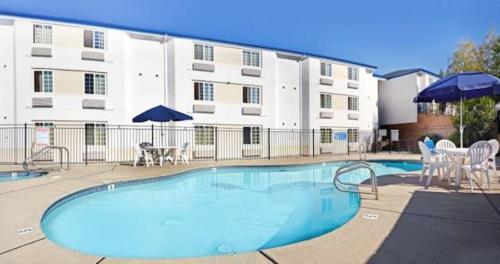 Motel 6-Auburn CA - Auburn, CA CA 95603