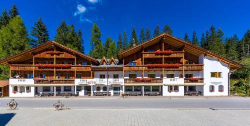 Hotel Jú Furcia - San Vigilio di Marebbe / St Vigil in Enneberg