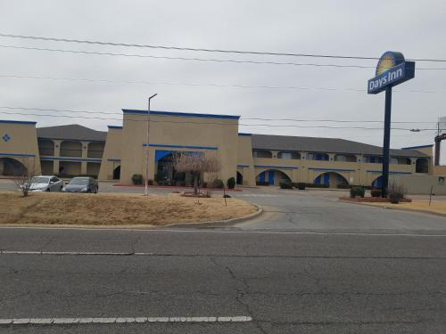 Days Inn By Wyndham Oklahoma City Nw Expressway - Oklahoma City, OK 73132