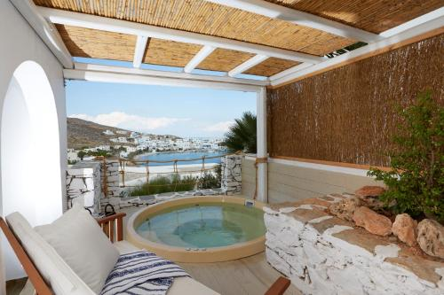 Superior Suite with Sea View & Private Outdoor Air Jetted Tub