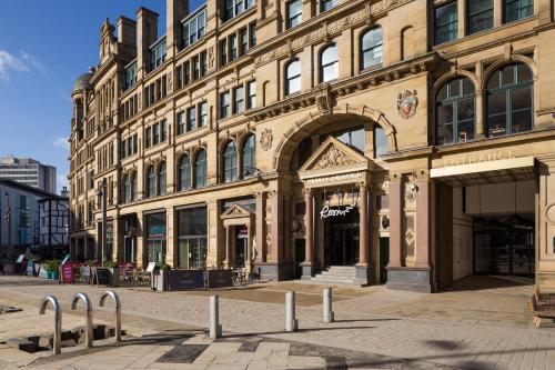 Manchester Corn Exchange, Exchange Square, Manchester M4 3TR, England.
