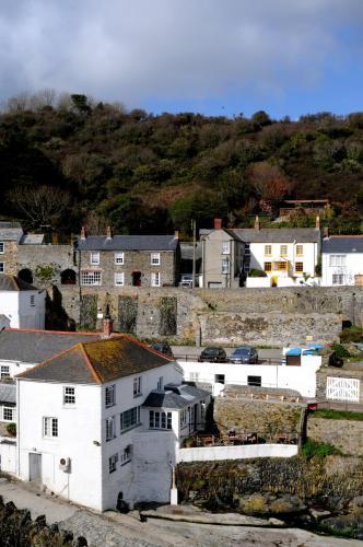 Portloe, Cornwall, TR2 5RD, England.