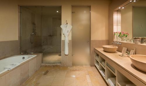 Junior Suite with Mountain View Gran Hotel La Florida G.L Monumento 5