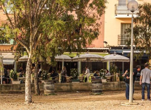 Hôtel Le Porquerollais - Hôtel - Hyères