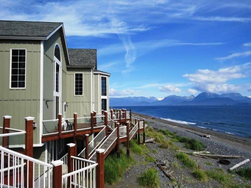 . Otter Beach Lodges
