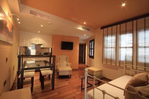 Suite Apartamento de 2 dormitorios con acceso gratuito al spa Casa Baños de la Villa 19