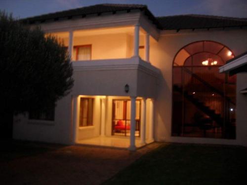 Midrand Guest House (B&B)