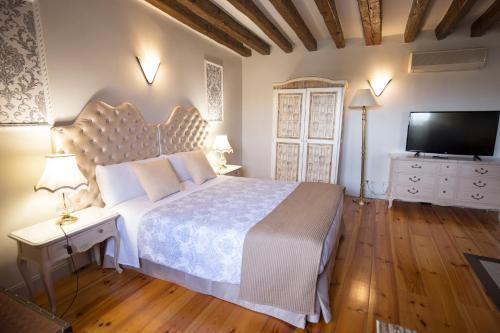 Habitación Doble Deluxe Hostal Central Palace Madrid 19