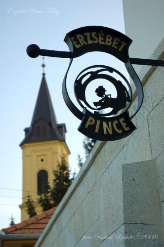 . Erzsébet Pince