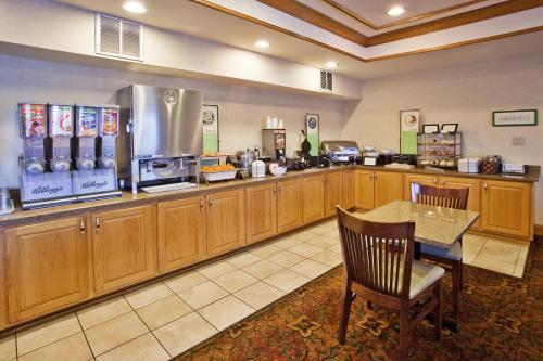 Country Inn & Suites By Radisson Mcdonough Ga