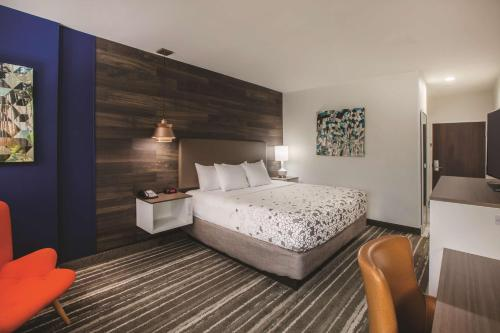 La Quinta Inn & Suites By Wyndham Owasso