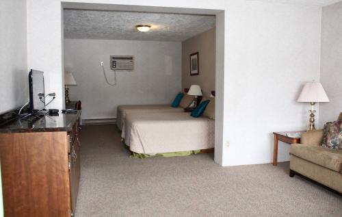 Arrowhead Inn - Photo 4 of 36