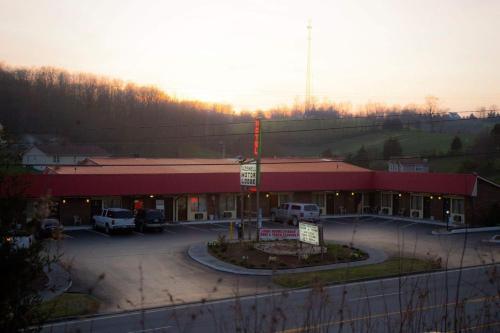 . Tazewell Motor Lodge