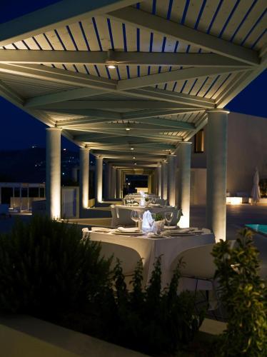 The Majestic Hotel, Main Street, Fira, 84700, Greece.