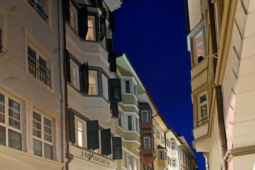 Wohnzimmer Bozen Online Booking Viamichelin